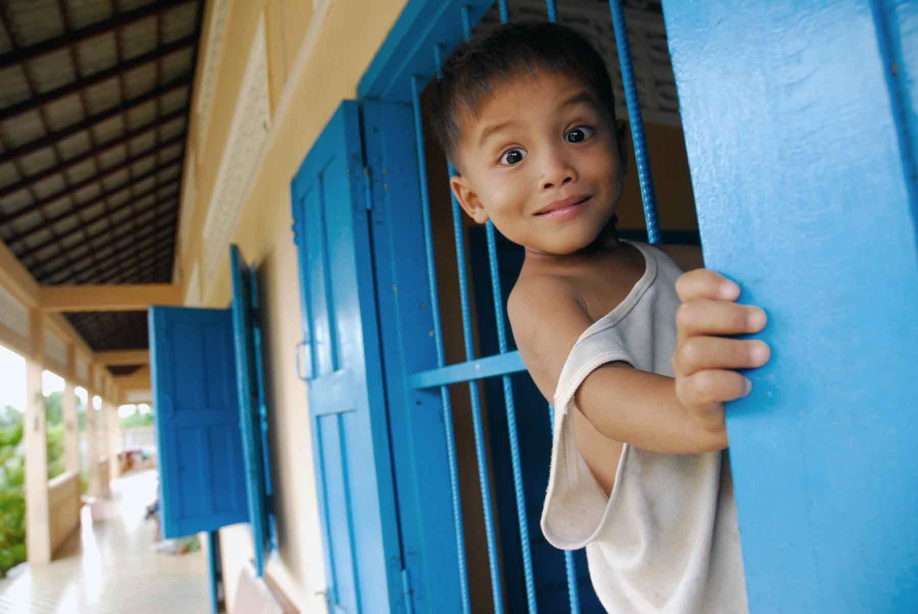 Petit garçon cambodgien vivant sous la protection de l'ONG AVEC au Cambodge
